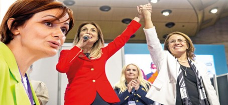 CHP Kadın Kolları yeni başkan Nazlıaka oldu